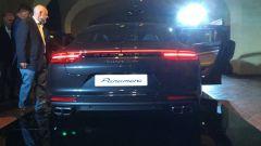 Nuova Porsche Panamera 2017: la firma luminosa posteriore