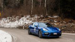 Nuova Porsche Panamera 2017 - La linea dei vetri laterali ora scende a formare una punta come la 911