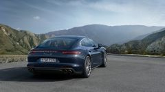 Nuova Porsche Panamera 2017: dati, versioni e foto ufficiali - Immagine: 8