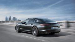 Nuova Porsche Panamera 2017: dati, versioni e foto ufficiali - Immagine: 10
