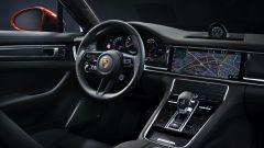 Nuova Porsche Panamera 2021: gli interni della versione plug-in