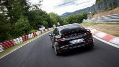 Nuova Porsche Panamera 2021: la versione Turbo S batte il record al Nurburgring