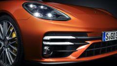 Nuova Porsche Panamera 2021: le nuove luci anteriori