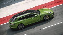 Nuova Porsche Panamera GTS: elogio al V8 in chiave sportiva - Immagine: 3
