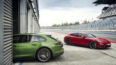 Nuova Porsche Panamera GTS: elogio al V8 in chiave sportiva - Immagine: 6