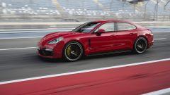 Nuova Porsche Panamera GTS: elogio al V8 in chiave sportiva - Immagine: 7