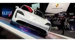 Nuova Porsche Taycan in video dal Salone di Francoforte 2019 - Immagine: 4