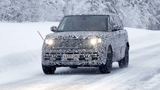 Nuova Range Rover 2020: versioni elettrificate e forse una 100% EV