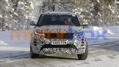 Nuova Range Rover Evoque 7 posti: il frontale con i fari full LED
