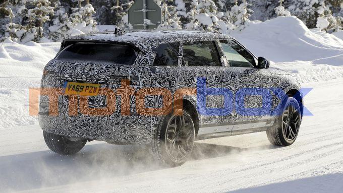 NUova Range Rover Evoque 7 posti: si nota il tetto più lungo