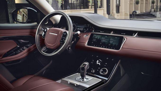 Nuova Range Rover Evoque 2019, gli interni