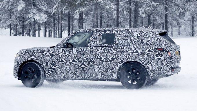 Nuova Range Rover LWB, prime foto spia