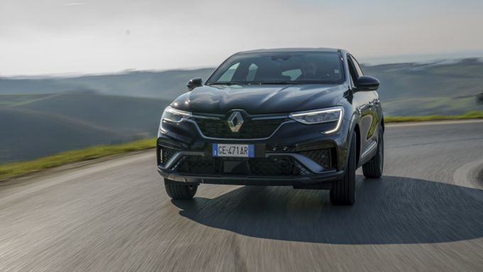 Nuova Renault Arkana 2021: confortevole e svelta fra le curve