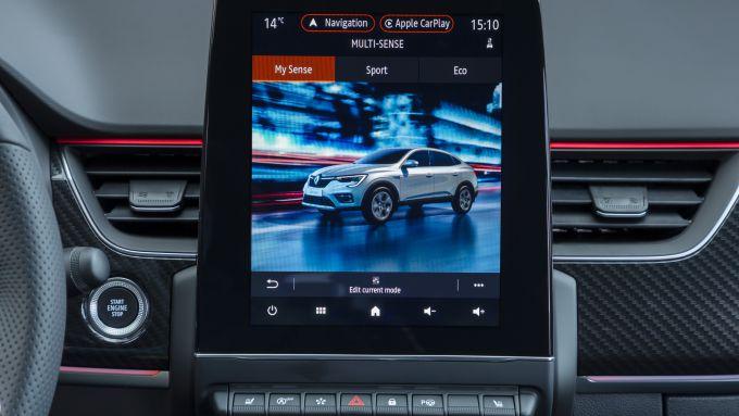 Nuova Renault Arkana E-Tech Hybrid: il display da 9,3'' del sistema infotainment