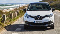 Nuova Renault Captur 2017: il frontale ridisegnato con luci diurne a forma di C