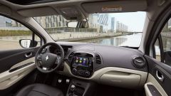 Nuova Renault Captur 2017: pelle Nappa bicolore per gli interni della versione Initiale Paris