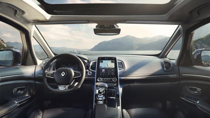 Nuova Renault Espace in allestimento Initiale Paris: gli interni