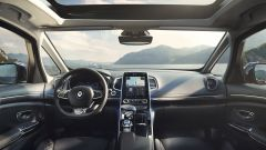 Nuova Renault Espace Initiale Paris: l'abitacolo
