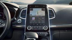 Nuova Renault Espace Initiale Paris: lo schermo verticale da 9,3
