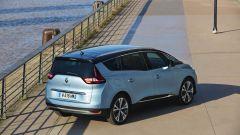 Nuova Renault Grand Scenic: vista 3/4 posteriore