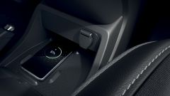 Nuova Renault Kangoo 2021: piastra di ricarica wireless per smartphone