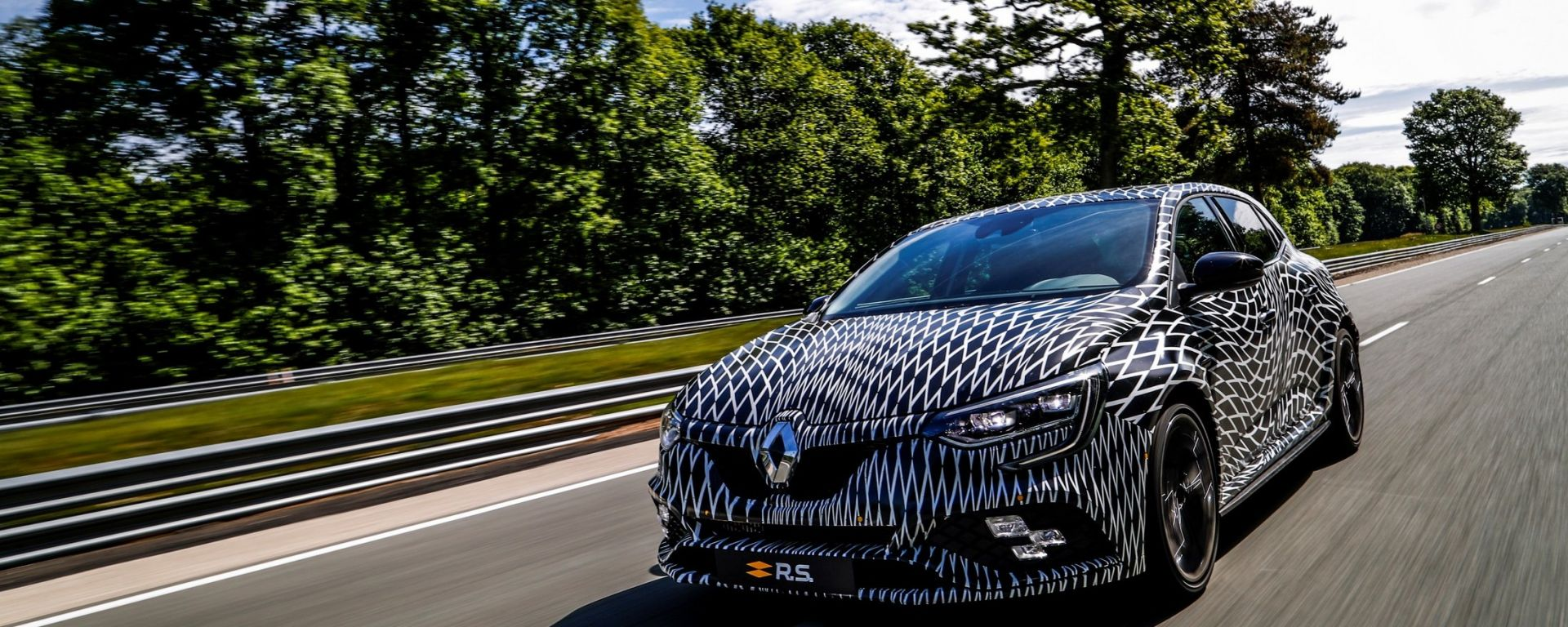 Nuova Renault Megane R.S. in pista a Montecarlo