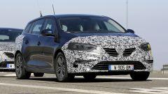 Nuova Renault Megane Sporter 2020: vista 3/4 anteriore