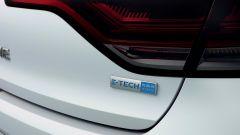 Nuova Renault Megane Sporter E-Tech: dettaglio badge