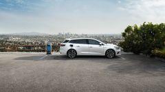 Nuova Renault Megane Sporter E-Tech: vista laterale