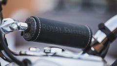 Nuova Royal Enfield Bullet Trials 500: il traversino di rinforzo del manubrio