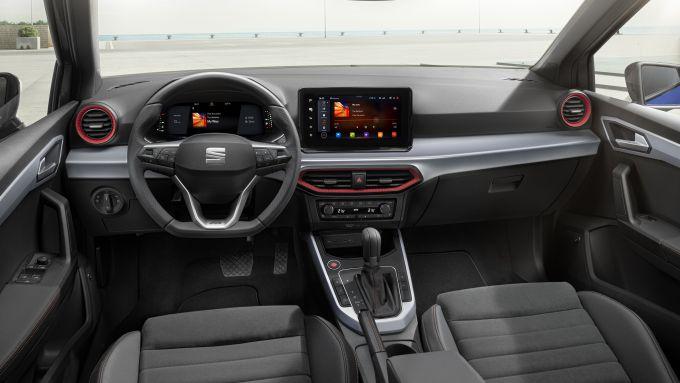 Nuova Seat Arona FR 2021, la plancia