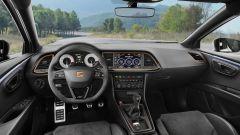 Nuova Seat Leon Cupra R: la plancia
