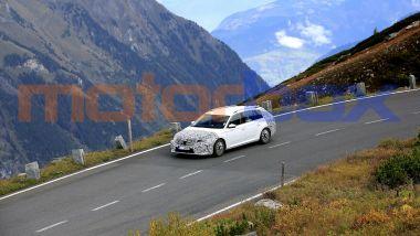 Nuova Skoda Superb: una fase dei test freni sulle Alpi Austriache