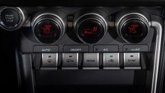 Nuova Subaru BRZ 2022: i comandi del climatizzatore