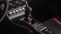 Nuova Subaru BRZ 2022: il cambio manuale