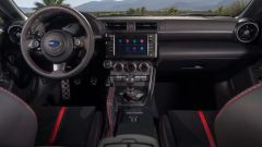 Nuova Subaru BRZ 2022: l'abitacolo