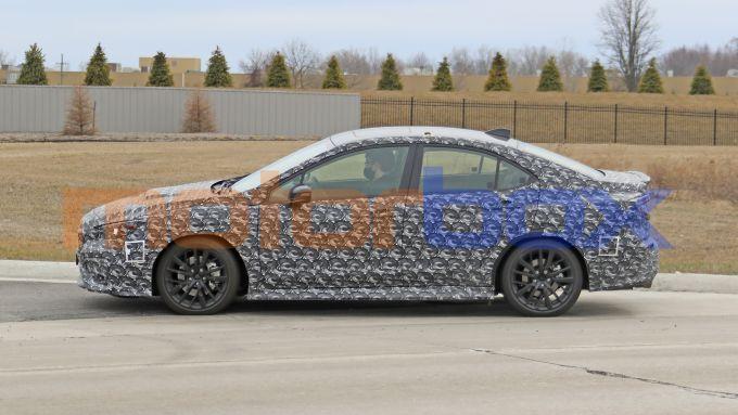 Nuova Subaru WRX: i prototipo pizzicato durante i test su strada