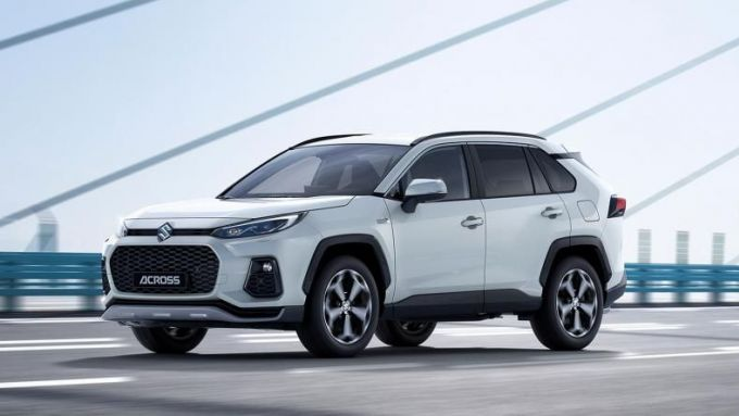Nuova Suzuki Across: autonomia EV dichiarata di 75 km