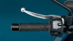 Suzuki GSX-S950: ecco com'è fatta la maxi naked (anche) per neopatentati - Immagine: 10