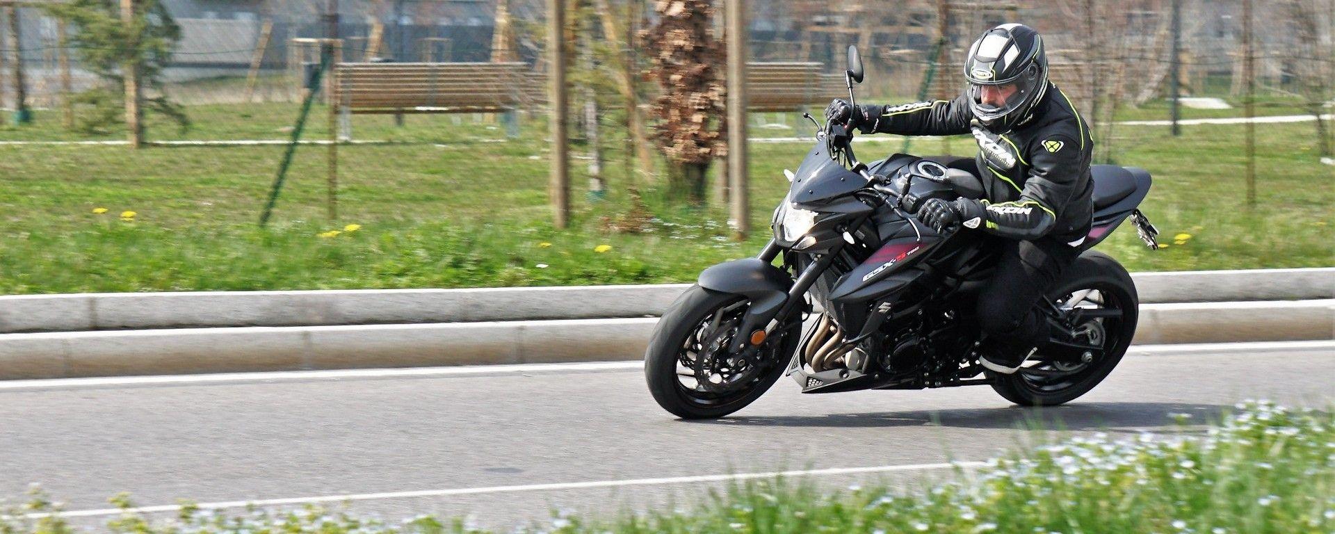 Nuova Suzuki GSX-S Yugen: la naked si fa special