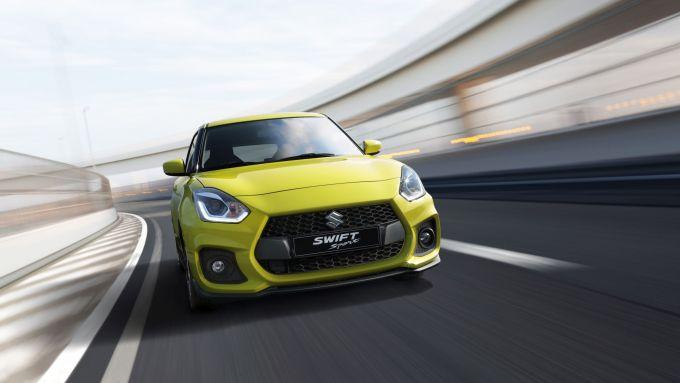 Nuova Suzuki Swift Hybrid: la Sport è divertente da guidare e pratica in città