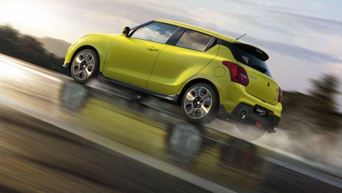 Nuova Suzuki Swift Hybrid: una vista di 3/4 posteriore