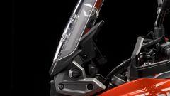 Nuova Suzuki V-Strom 1050: il cupolino regolabile