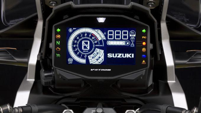 Nuova Suzuki V-Strom 1050: la strumentazione digitale