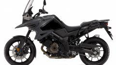 Nuova Suzuki V-Strom 1050: la versione normale in colore scuro