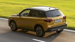 Nuova Suzuki Vitara Hybrid dinamica 3/4 posteriore