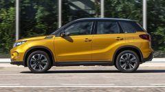 Nuova Suzuki Vitara Hybrid statica laterale