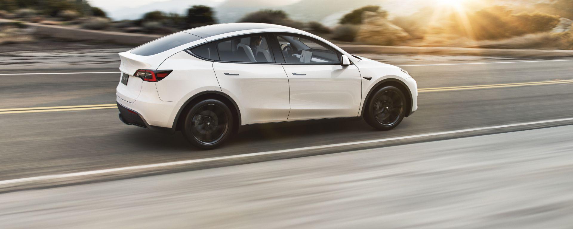 Nuova Tesla Model Y: il posteriore
