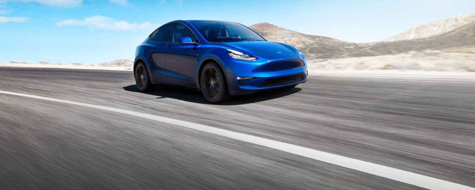 Nuova Tesla Model Y: vista 3/4 anteriore