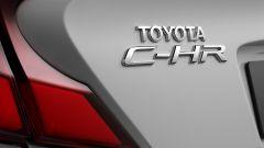Toyota C-HR GR Sport, un Suv coupé inc***ato nero. Il prezzo - Immagine: 10